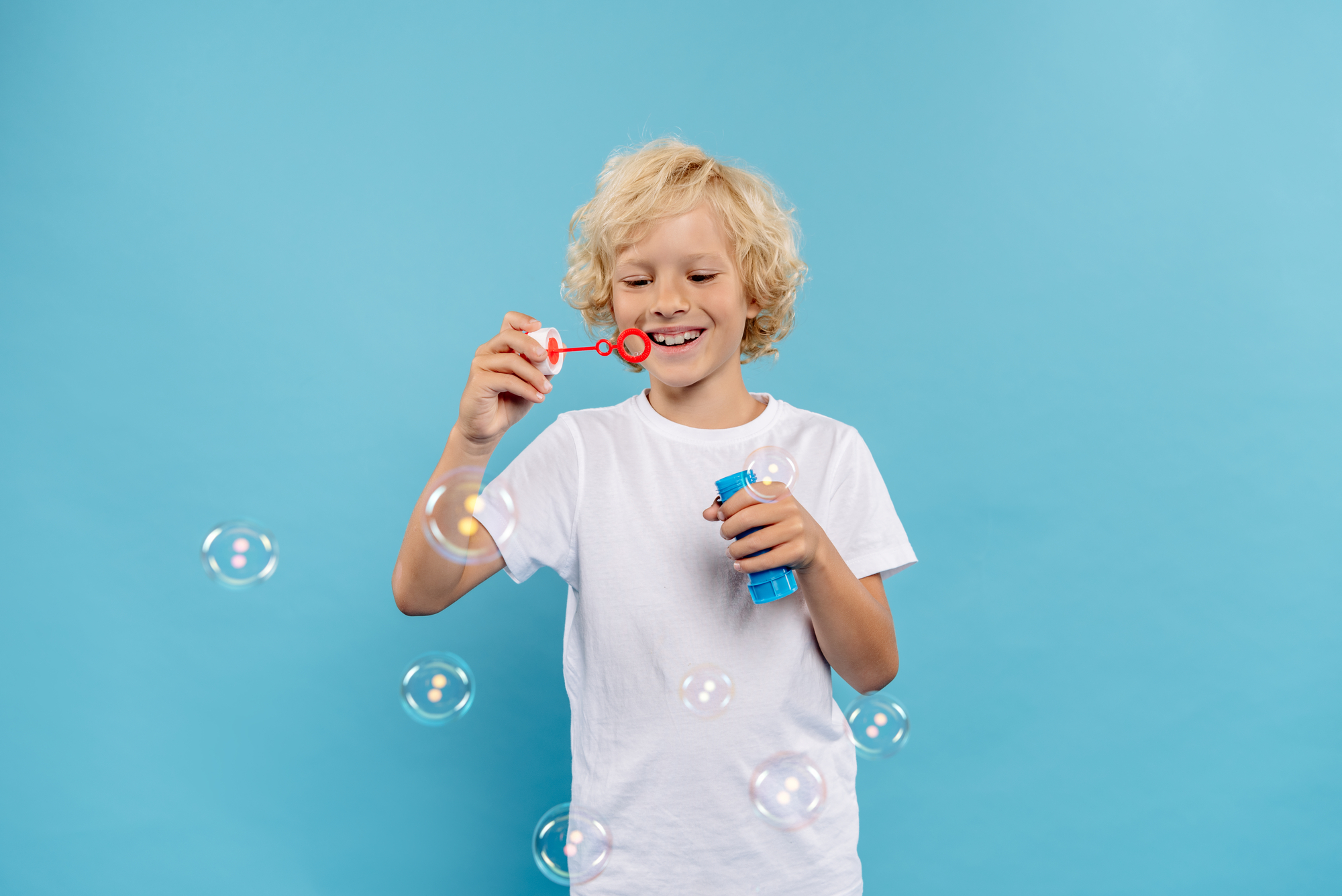 Kindereinfach_Onlinekurs_glücklicher_Junge